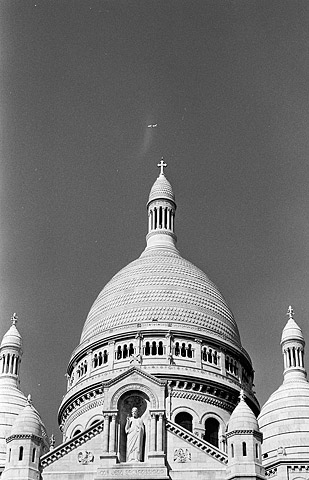 The beautiful Sacre-Coeur basilica in the arty Montmartre district.