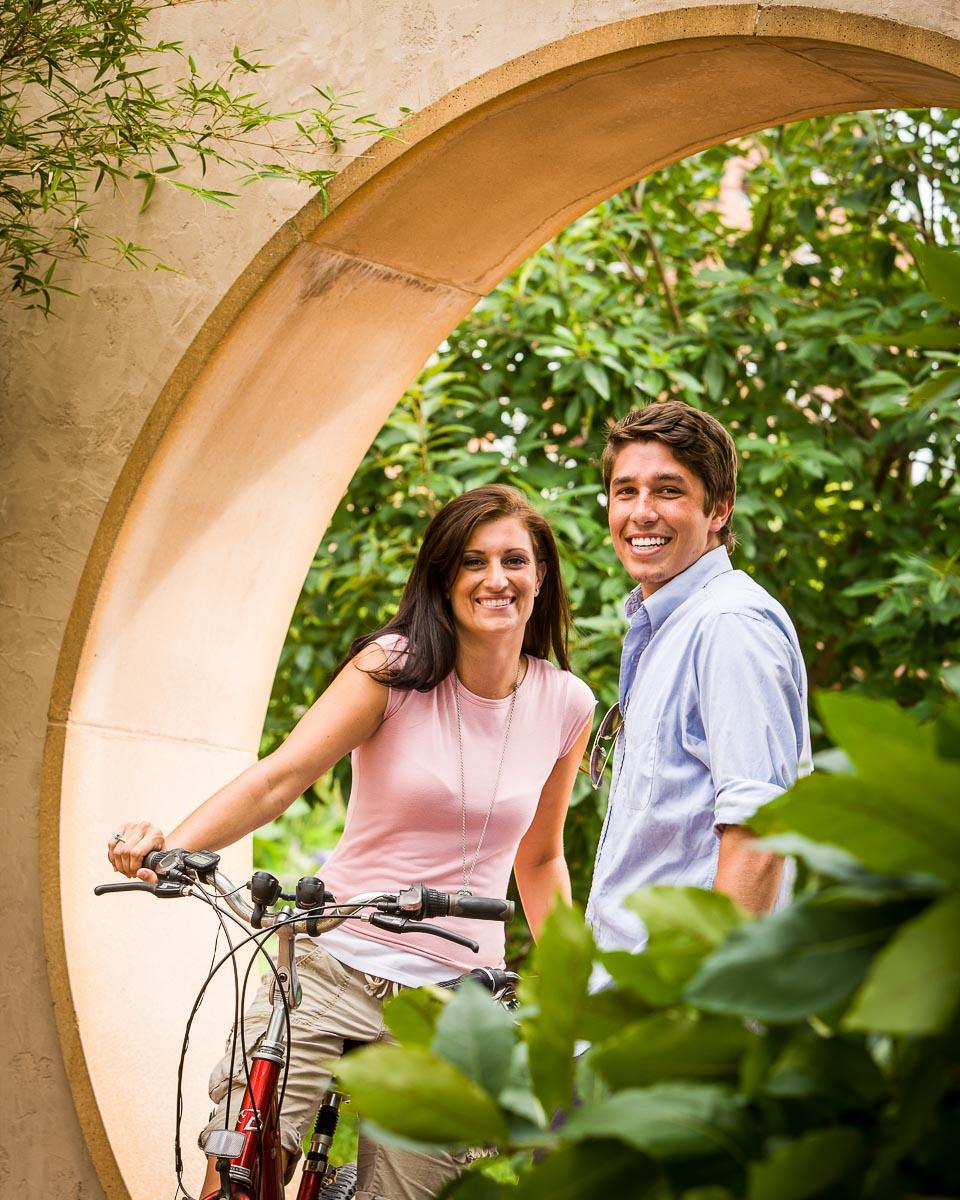 z-couple_on_bikes
