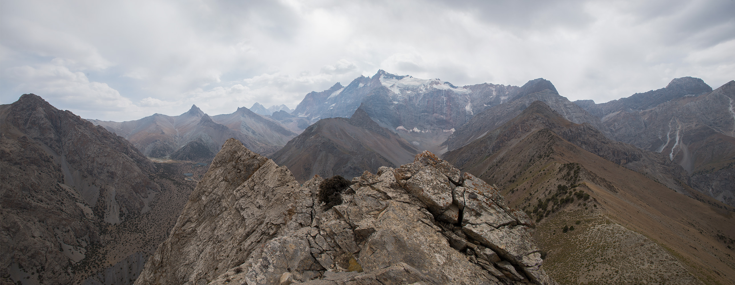 Panorama from a rocky ridge above the pass. Chimtarga Peak at centre