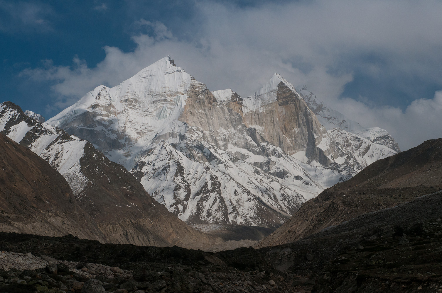 From Bhojbas in the Bhagirathi valley. Left to right; Bhagirathi II (6512m), Bhagirathi III (6454m) and Bhagirathi I (6856m). Nikon D300, 60mm