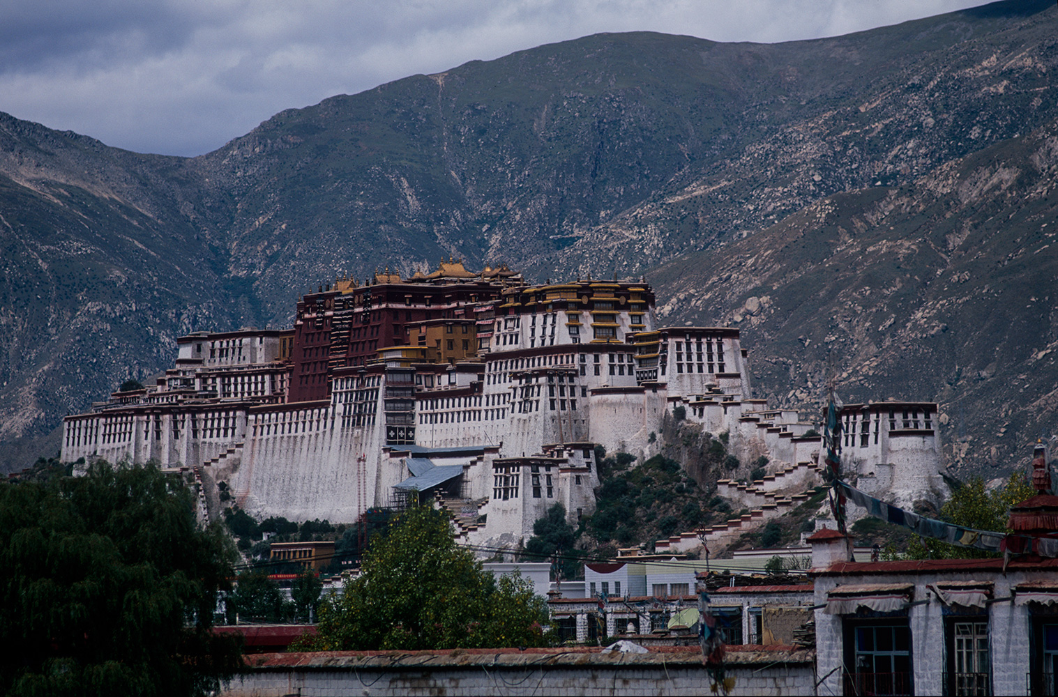 Potala_from_Jokhang_2003RVP