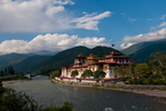 The second of Bhutan's dzongs, built in 1637 at the confluence of the Mo and Po Chhu riversNikon D300, 17-35mm