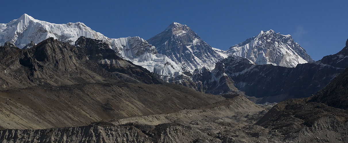 Everest (centre), and Nuptse, seen from the 5th lake above Gokyo on the Ngozumpa GlacierNikon D300, 50mm
