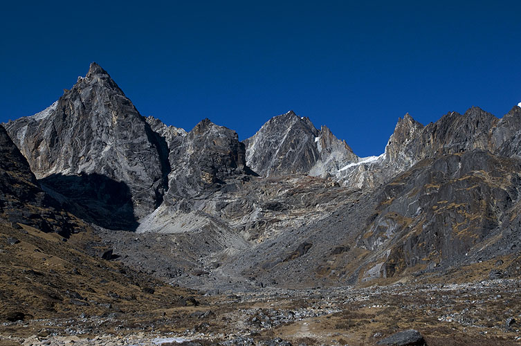 Looking back to the pass from near Dzongla. The col is the obvious glaciated notch to the right.Nikon D300, 50mm