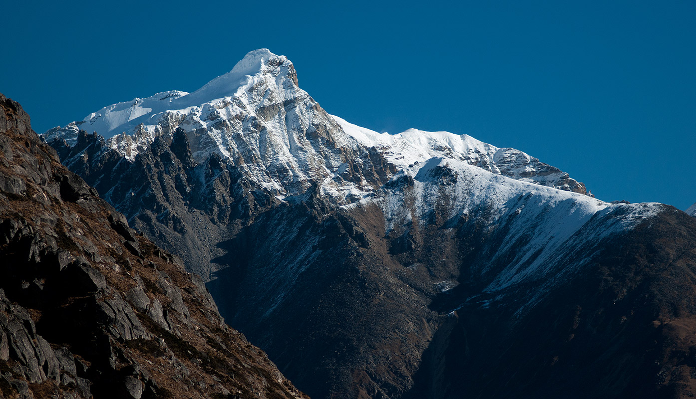 From the upper Togtserkhagi Chhu valleyNikon D300, 180mm