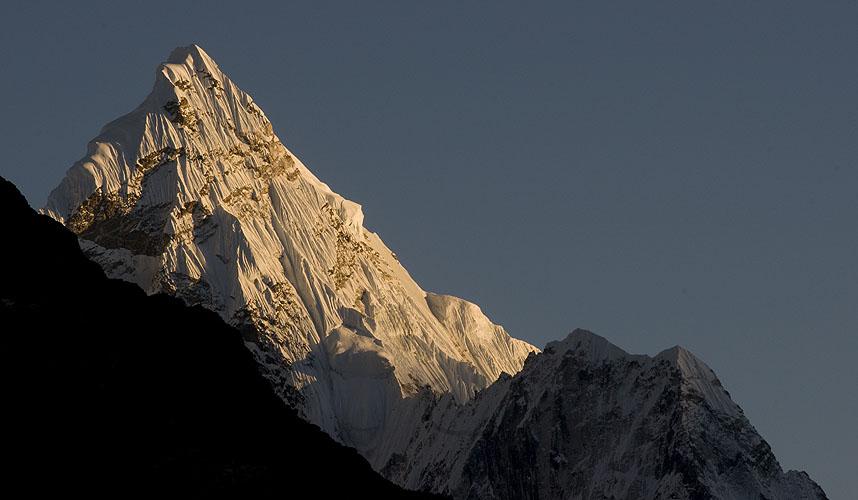 At sunset, from LobucheNikon D300, 180mm