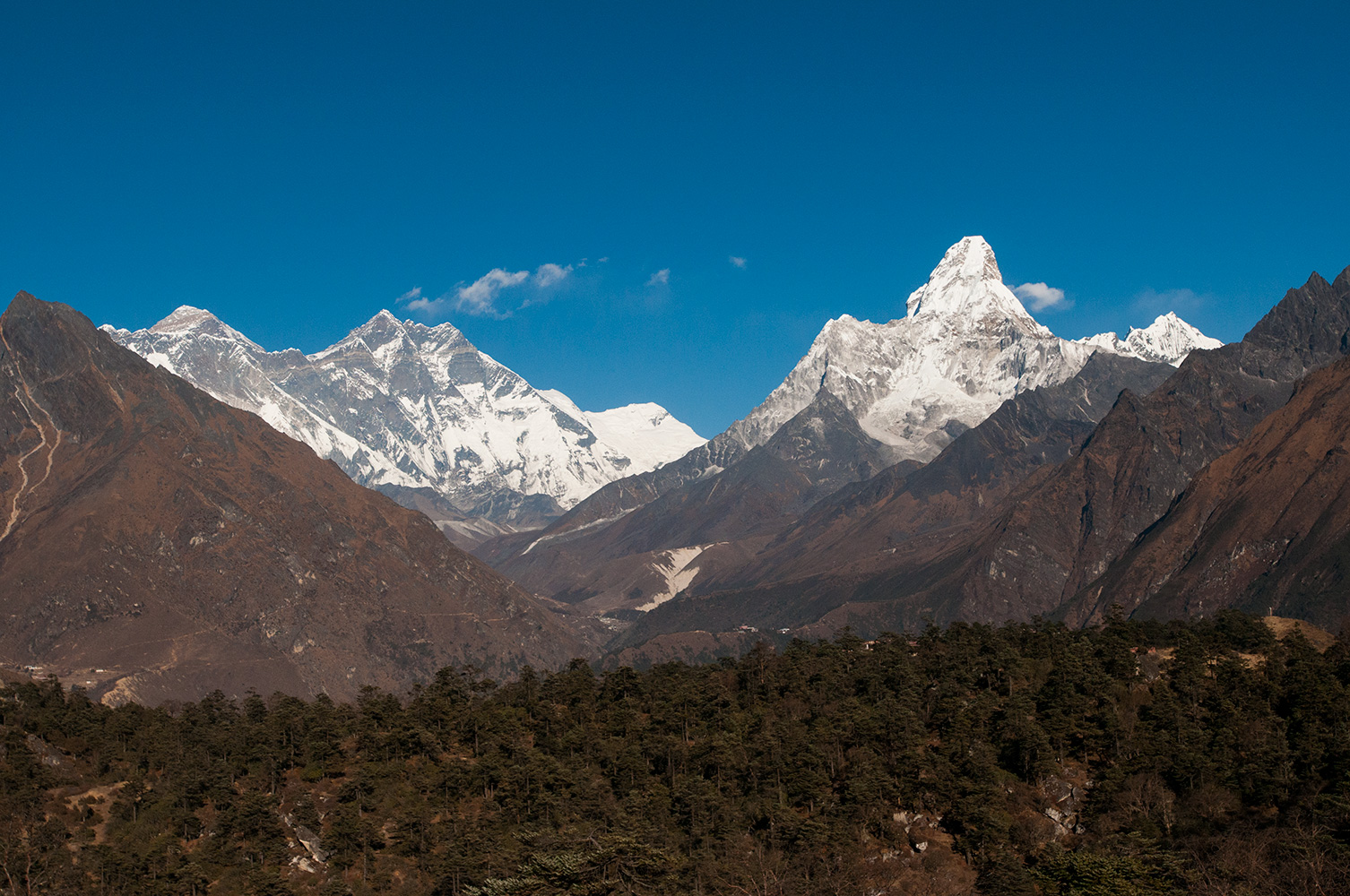 Everest, Lhotse, Ama Dablam and Tengboche Gompa from the trail above Namche BazaarNikon D300, 17-35mm, December 2008