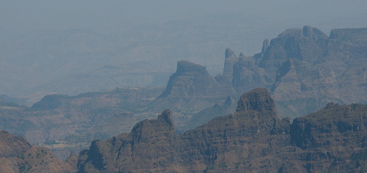 A telephoto looking north from Inatye over the district of Tellemt