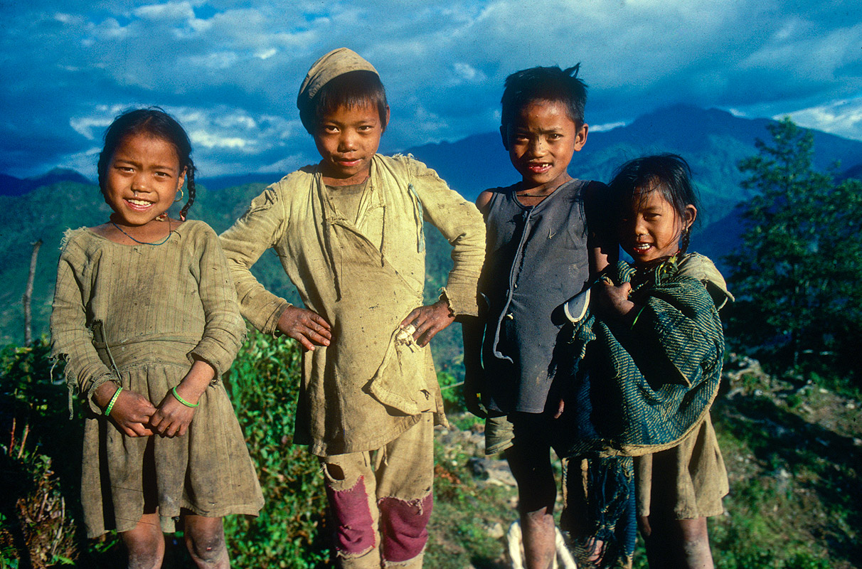 Children at this marvellously named village in the Kabeli Kola valley, on the approach to the south side of Kangchendzonga.Canon A1, 28mm, Kodachrome 64
