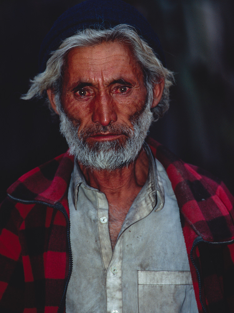 A porter from Askole on the Baltoro