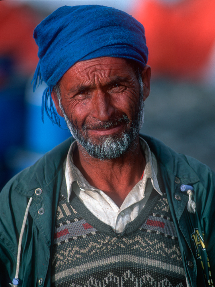 Hamza - a Balti porter from Askole village.Nikon F5, 35mm