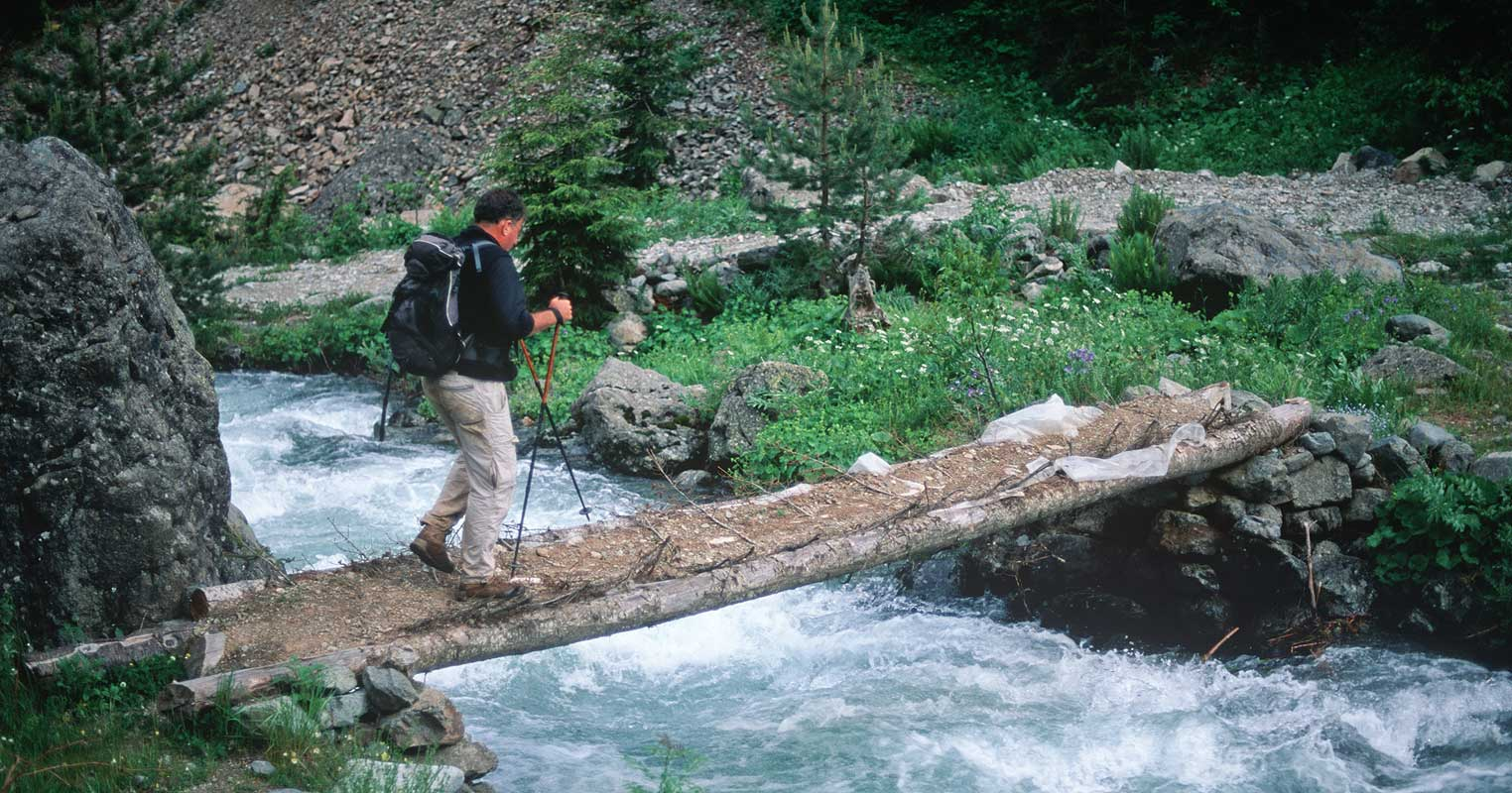 Stefano Ardito crossing the Barhal River
