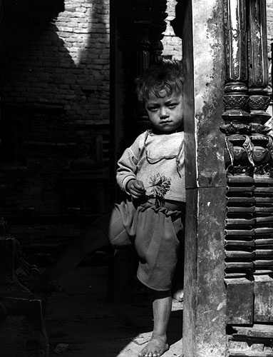 bhaktapur_temple_boy