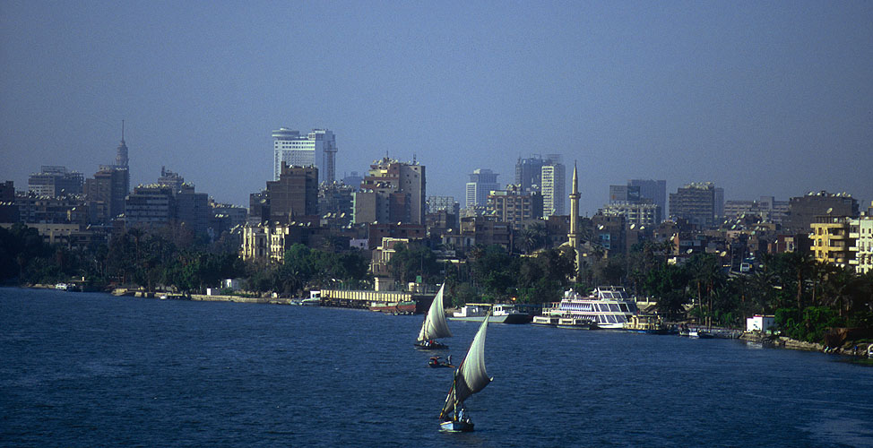 The River Nile and the city, from El Giza bridgeNikon F5, 180mm, Fuji Velvia 100