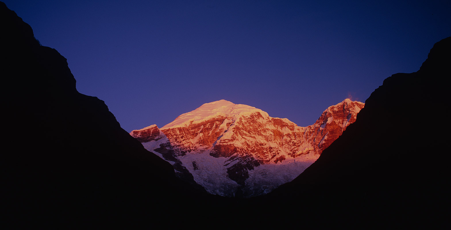 At sunrise, from Jangothang Camp, BhutanBronica ETRSi, 75mm, Fuji Velvia