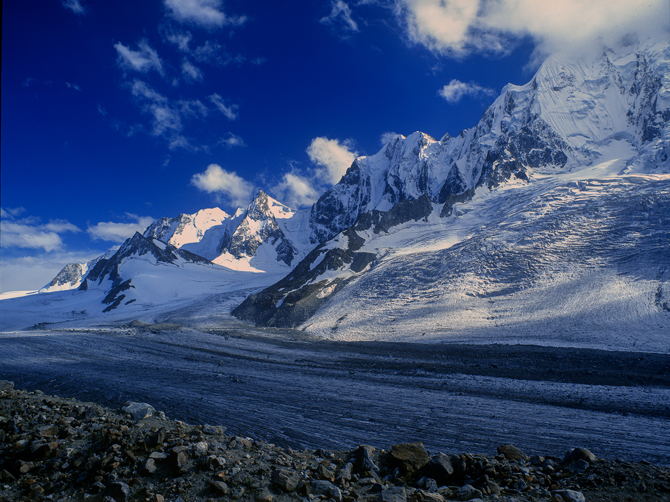 A view south towards the Darkot Pass from a base camp at 4100mBronica ETRS, 50mm, Fuji RDP