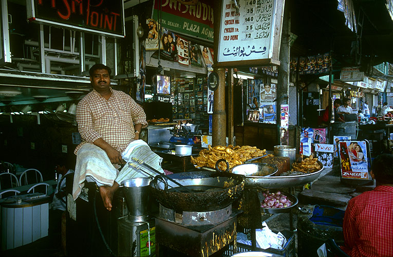 Fast food, Delhi styleNikon F5, 17-35mm, Fuji Velvia 100