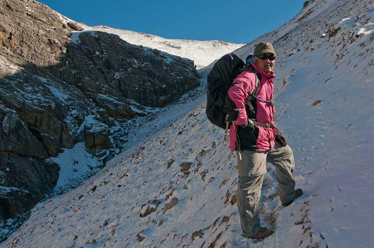 On the climb to the Kang La (5360m) - gateway to Inner Dolpo and Shey Gompah