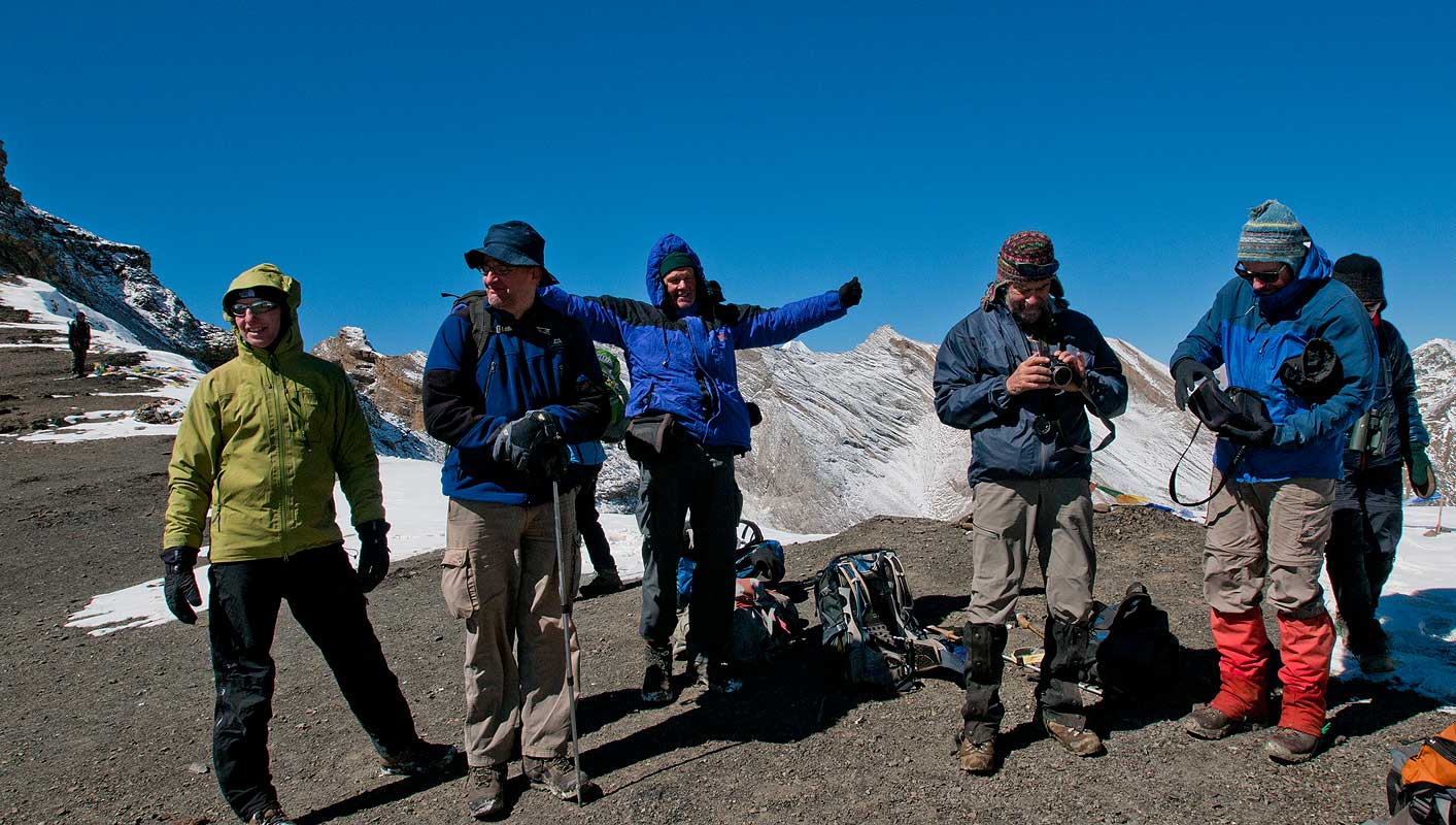 Trekkers at this 5375m pass between Phoksundo Tal and Shey Gompa.Dolpo, Nepal