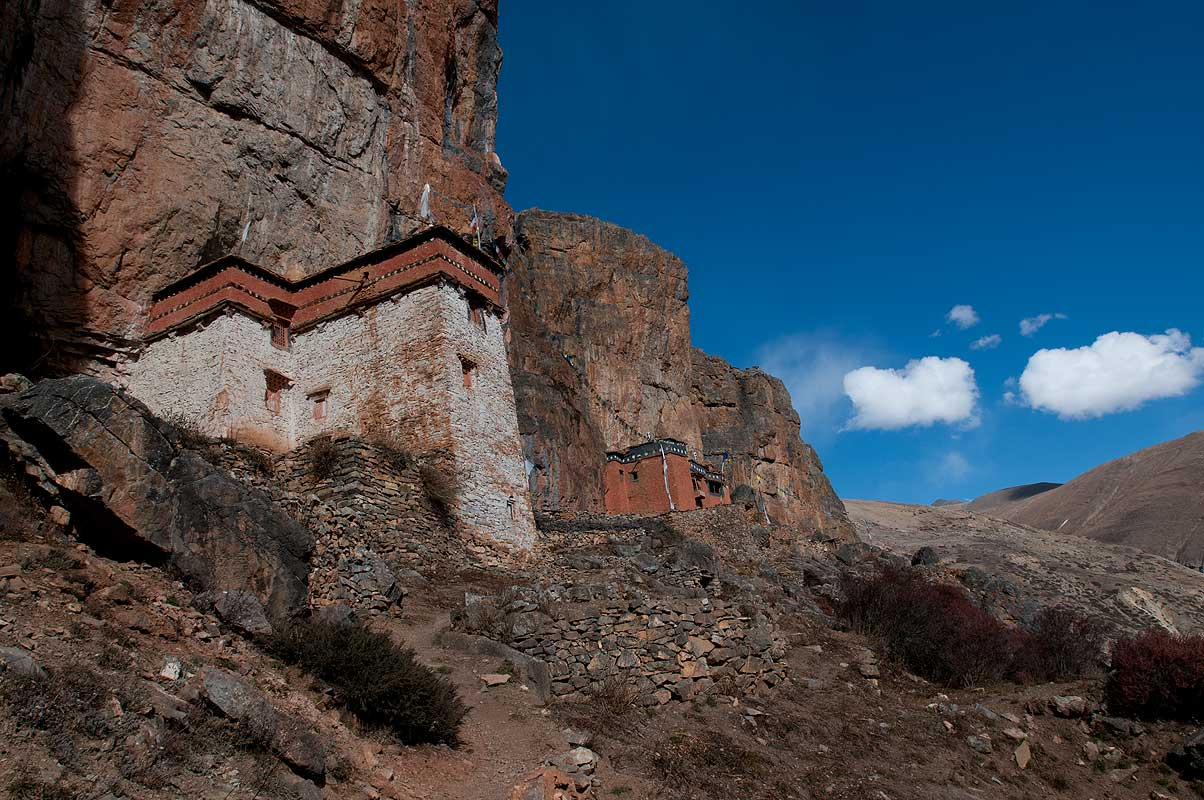 A spectacularly sited Kagyupa monastery near Shey