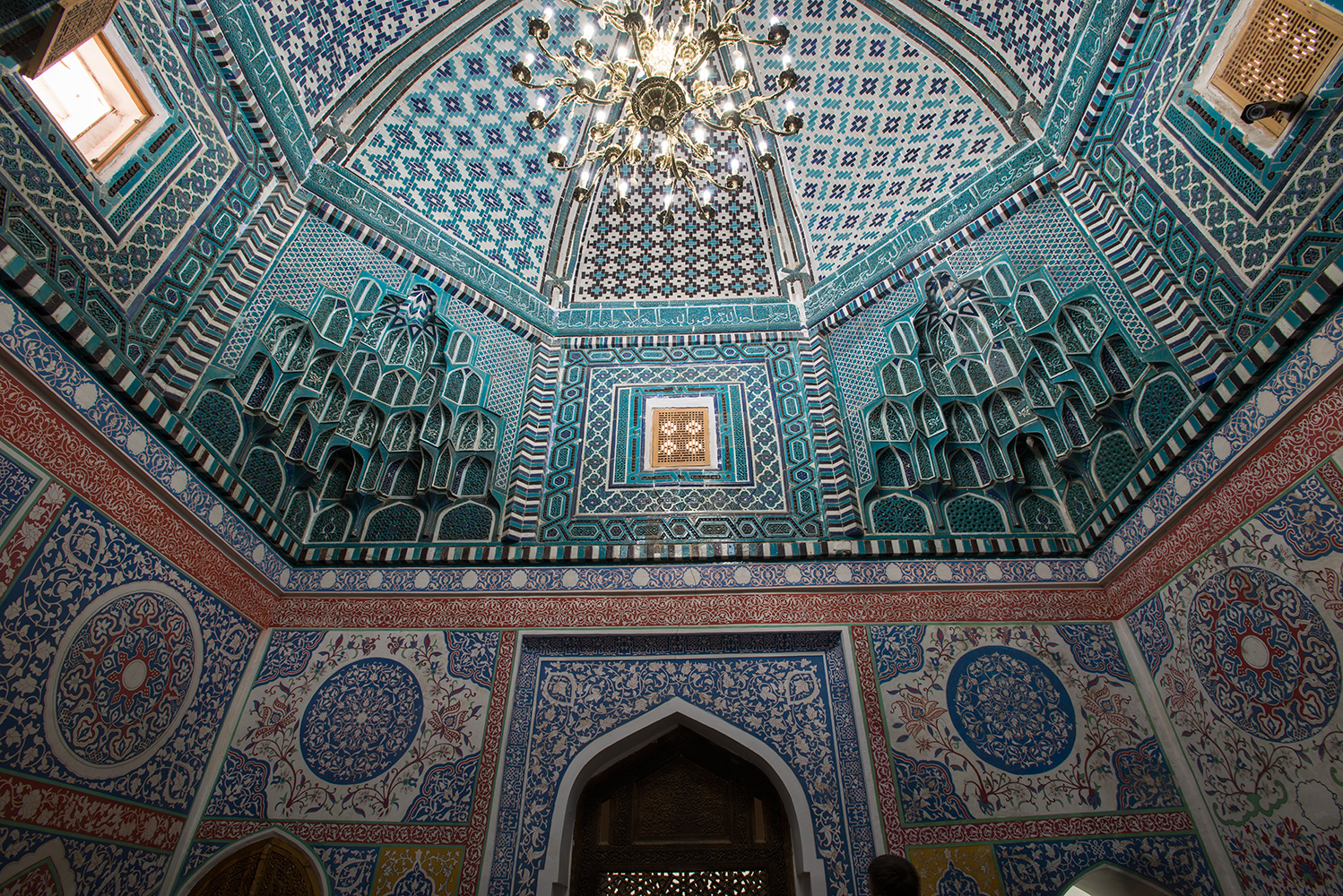 Kussan ibn Abbas MasjidThe Ziarat Khona or pilgrims room. Built in 1334 on C11 foundations.