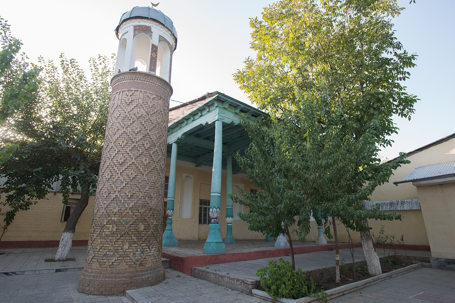 An unused back-street mosque in the old town