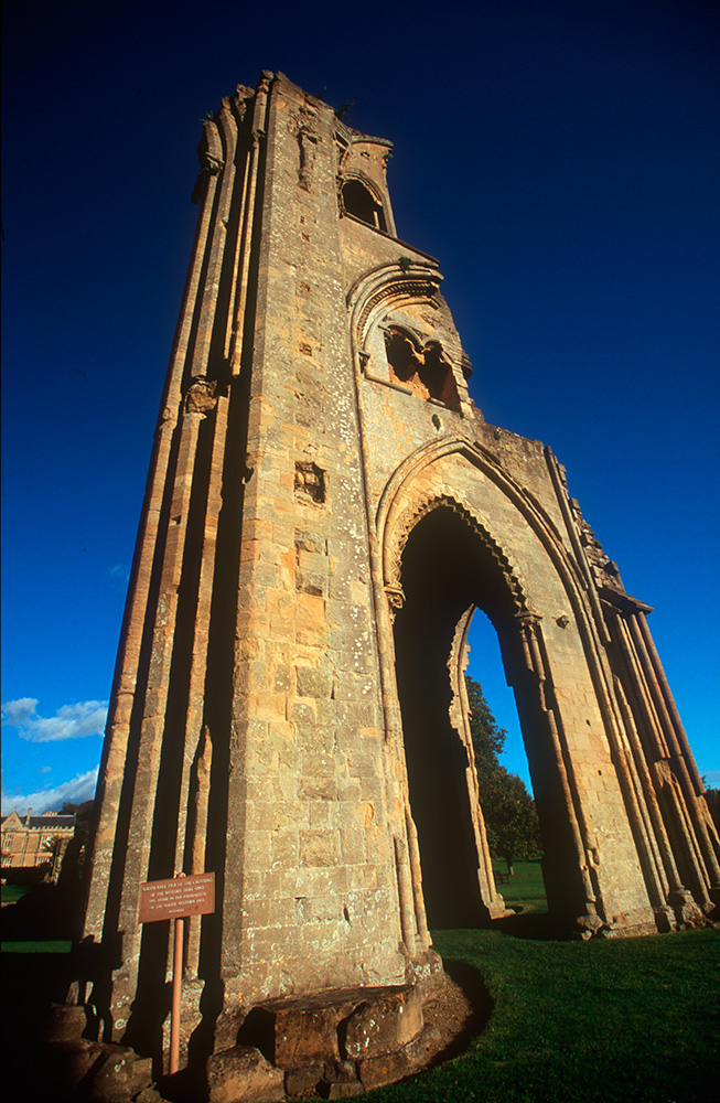 glastonbury_abbey_08