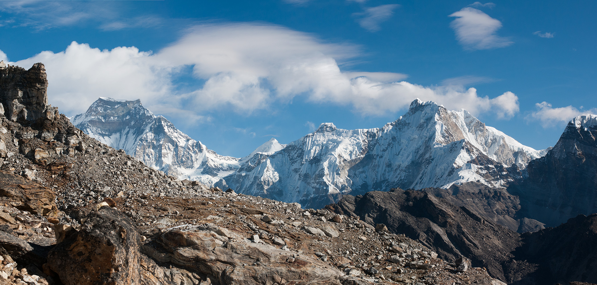 gyachung-kang-renjo-la_Panorama1