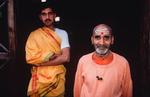 haridwar_ashram_saddhus_2004RVP