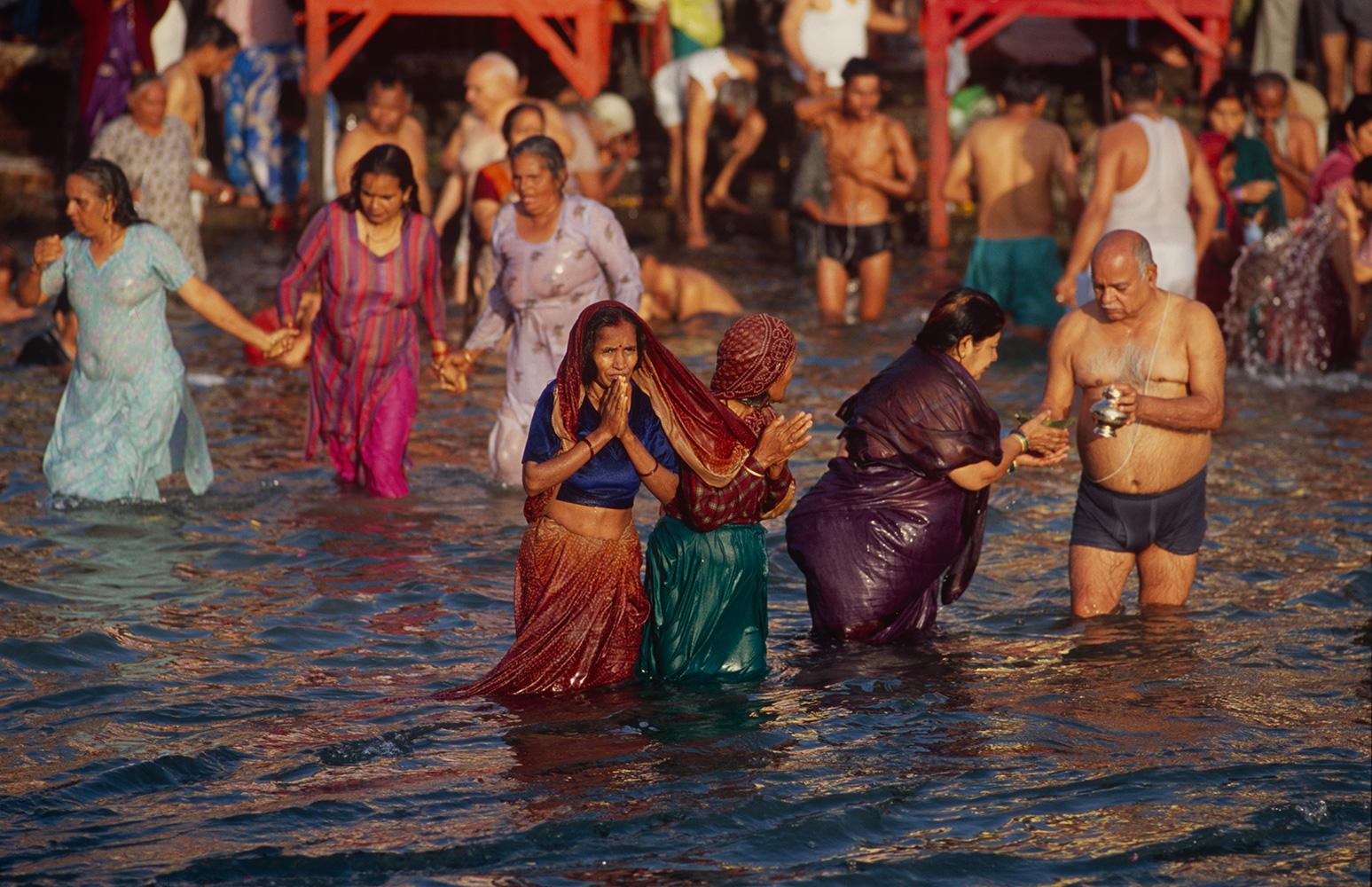 haridwar_bathing5_2004RVP