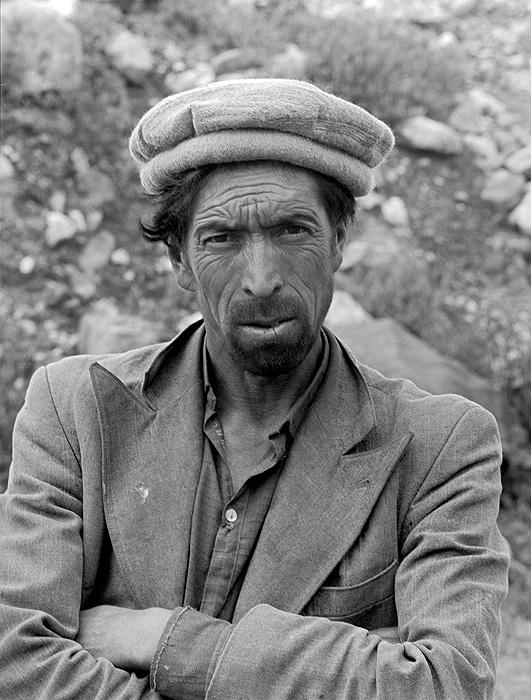 A porter from Askole village in BaltistanBronica ETRSi / 70mm / Kodak TMY @ 800ASA