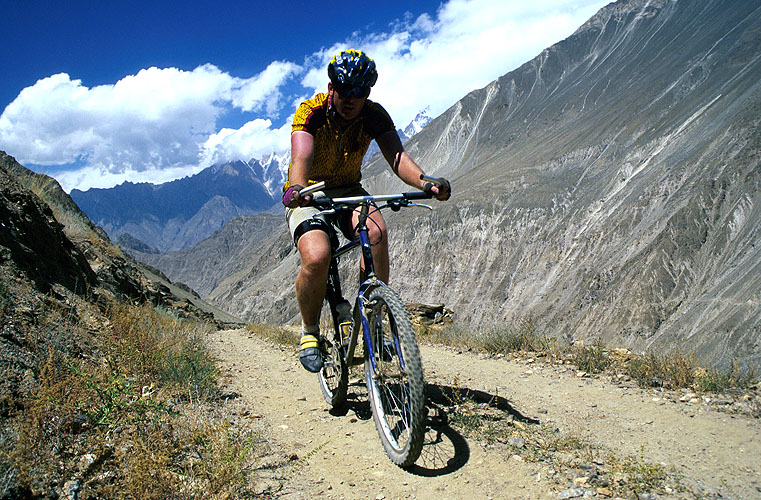 Under a scorching Karakoram sun, the wild jeep tracks of Hunza and Nagar are mountain-biking heaven!Conon EOS 500, 28-80mm, Fuji Velvia