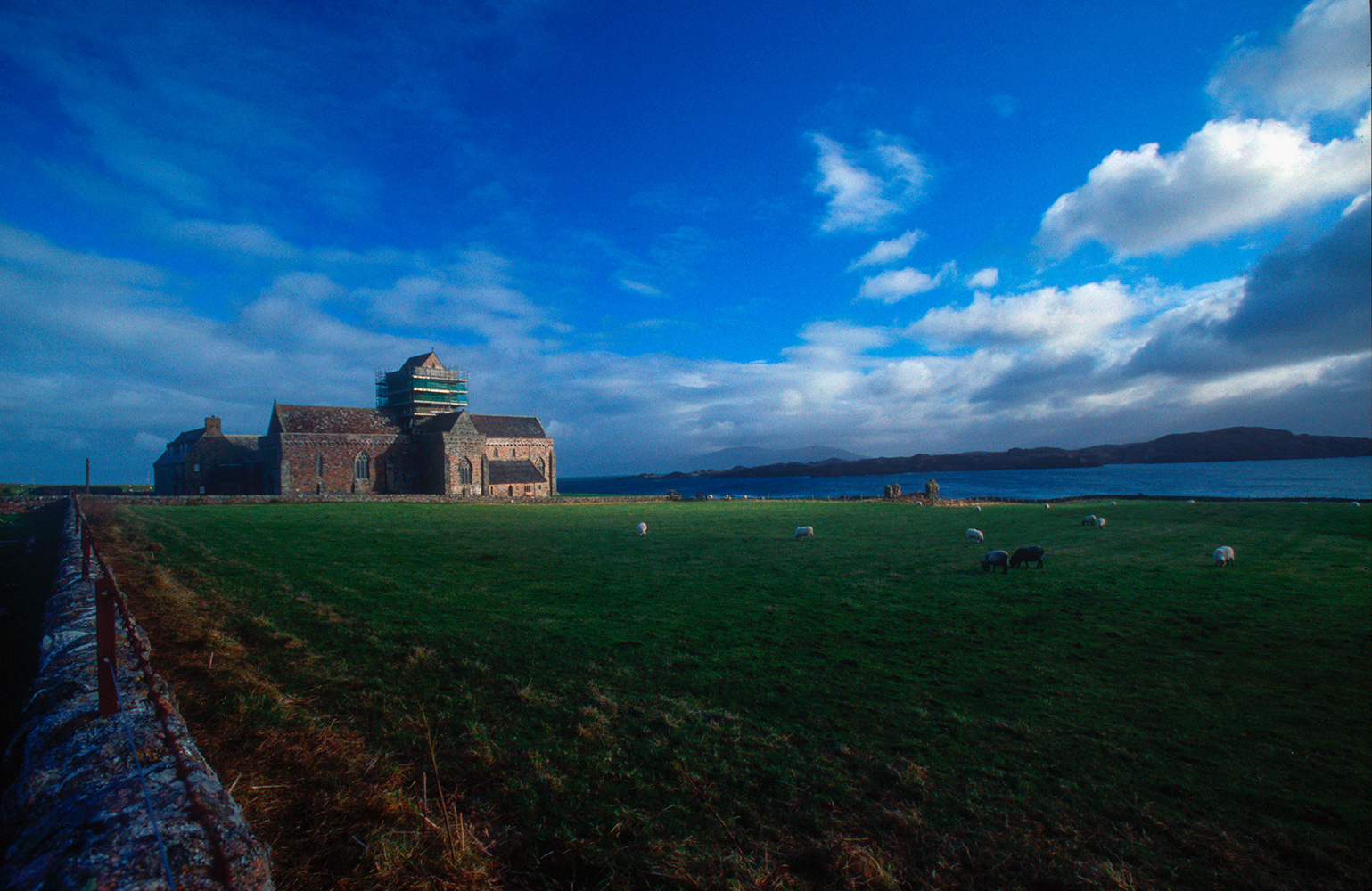 iona_abbey_03