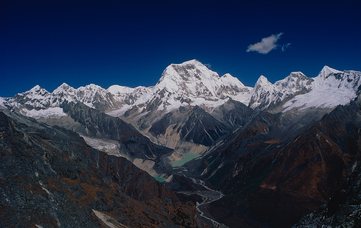 Seen from a ridge above the Kanglakarchung La on the Snowman Trek, BhutanBronica ETRSi, 50mm, Fuji Velvia
