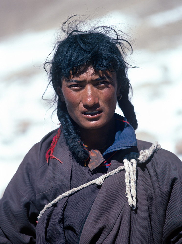 A Tibetan Buddhist pilgrim at the Dolma La on the Kailas KoraBronica ETRSi, 75mm, Fuji Velvia