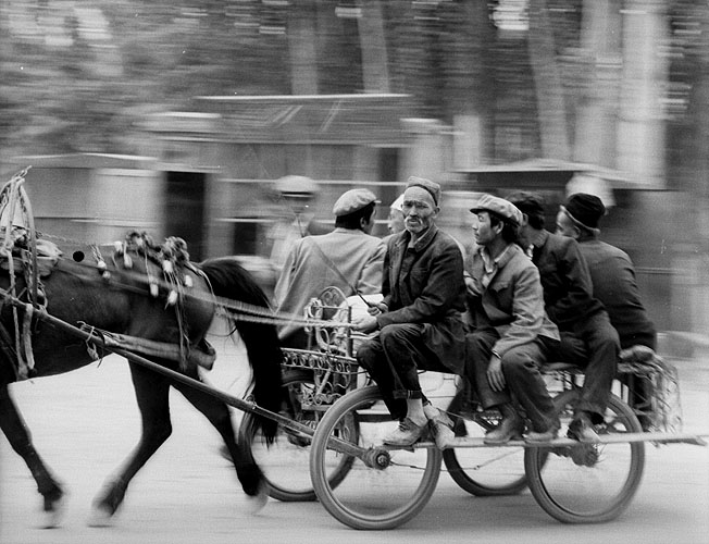 Donkey cart taxi taking shoppers home from the Sunday MarketBronica ETRSi, 150mm, Ilford HP5+