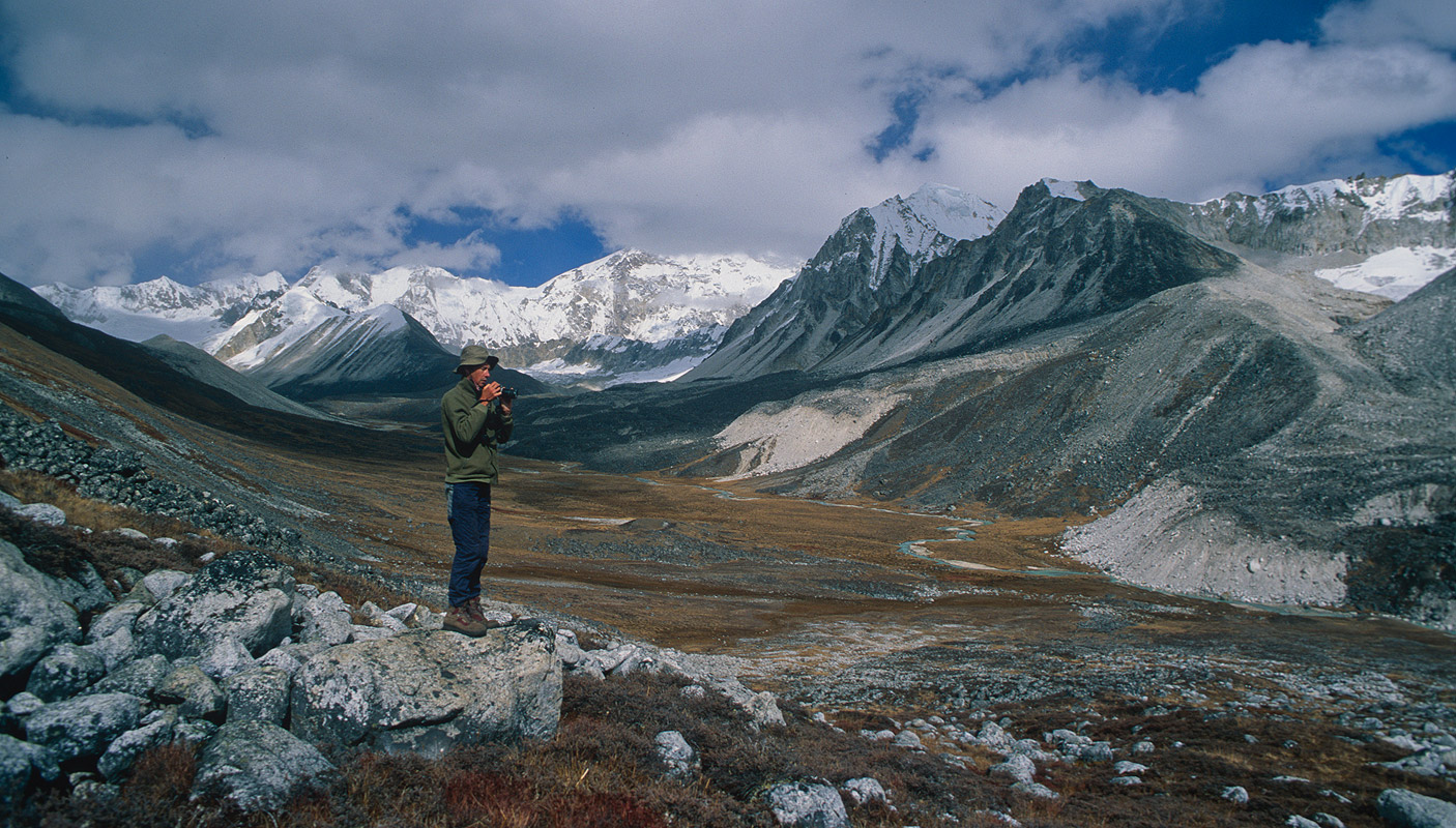 Immediately below the Gophu La to the south east is the valley of the Sasha Chhu river. Here is Dr Ken Fotherby on a reccé to the upper reaches.Bronica ETRSi, 50mm, Fuji Velvia
