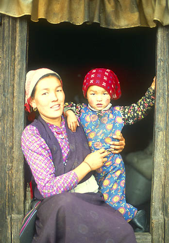 A woman and daughter at Kyanjin Gompah in the Langtang Valley.Nikon FM2, 50mm, Fuji Velvia