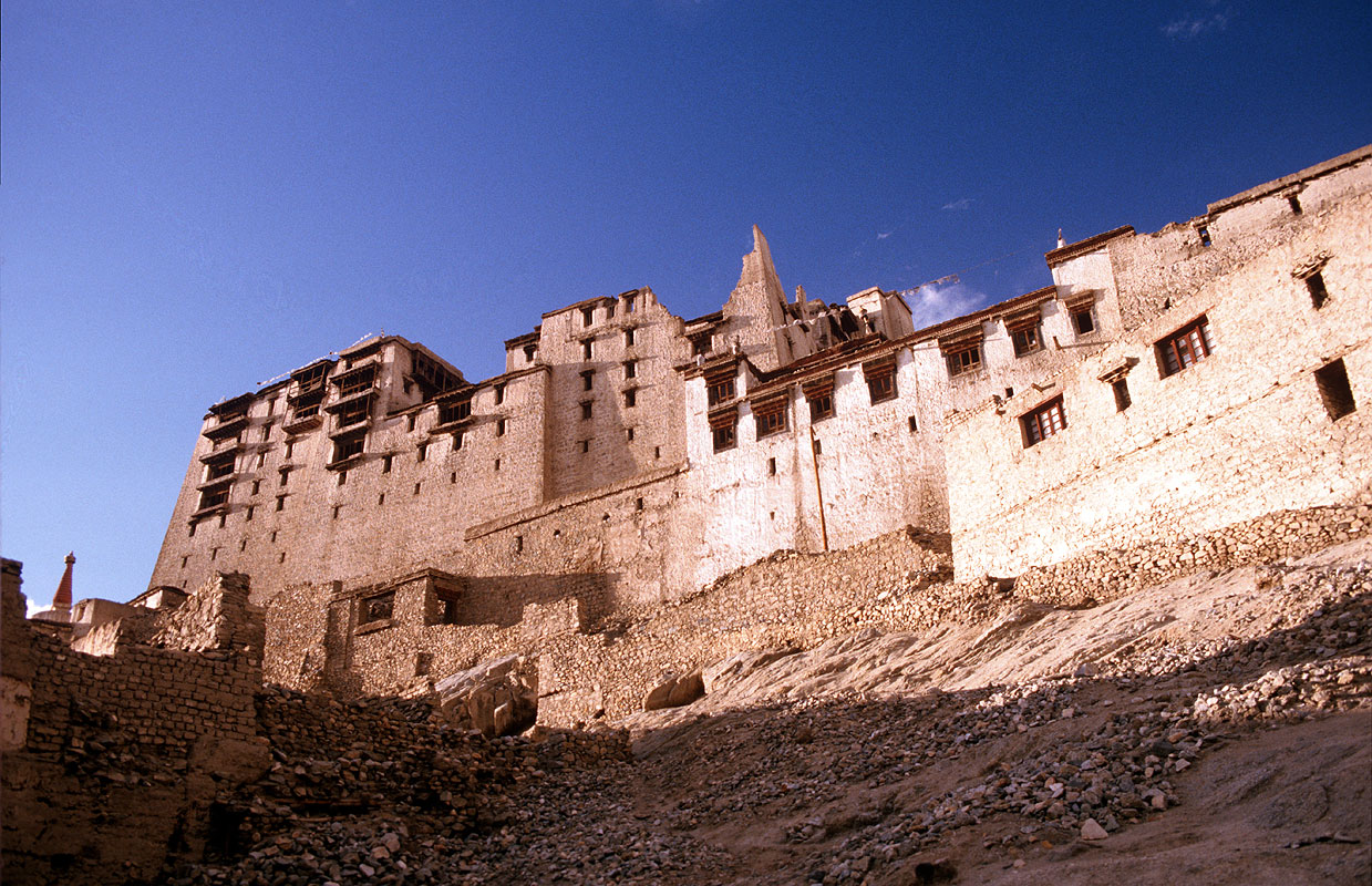 The Potala-like former residence of the Ladakhi royal familyCanon A1, 50mm, Kodachrome 64