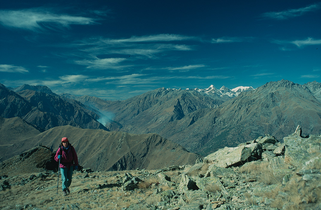 Ascending the north side of the pass, with the upper Humla Karnali beyond. Taken in December, when the days are cold but the air is clear!Project VeronicaMedium format images re-scanned in a professional glass film- holder with my Nikon Coolscan 9000 and Silverfast 8 software. These images display larger on the site - enjoy!Bronica ETRSi, 50mm, Fuji Velvia