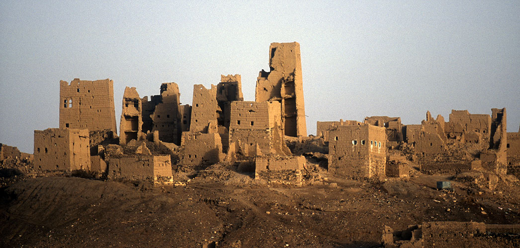 The ruins of old Marib, ancient capital of the kingdom of Saba, and most probable seat of the Queen of ShebaNikon F5, 17-35mm, Fuji Velvia 100