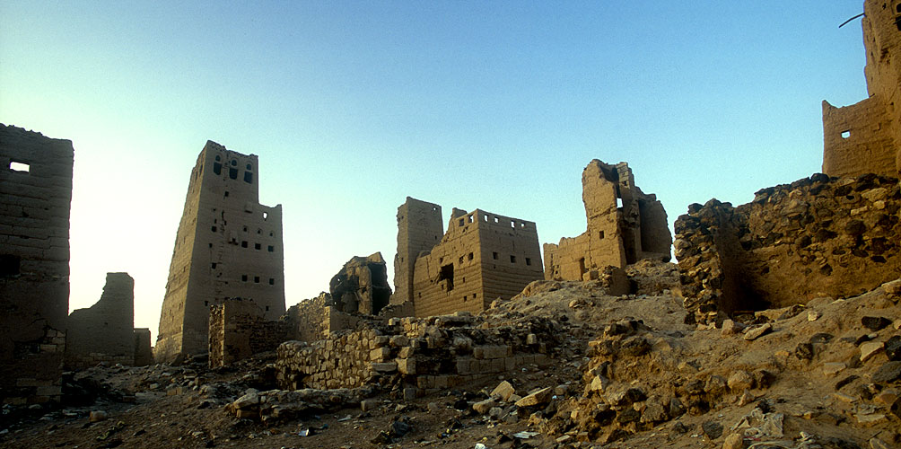 There is a palpable sense of mystery and antiquity here amongst the ruins of Marib. Here, in the middle of some of the most inhospitable desert on earth, there lived three thousand years ago a sophisticated urban population of between 30 and 60,000, surrounded by lush gardens, orchards and farmland.