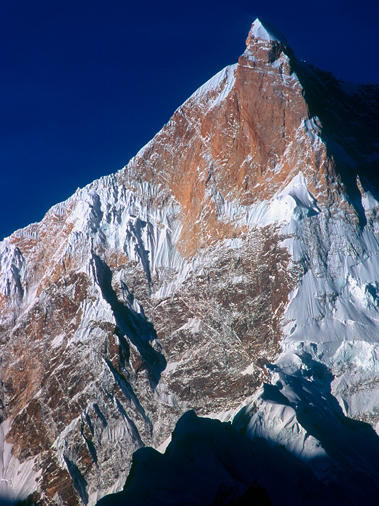 Telephoto of the summit from Goro on the Baltoro glacier