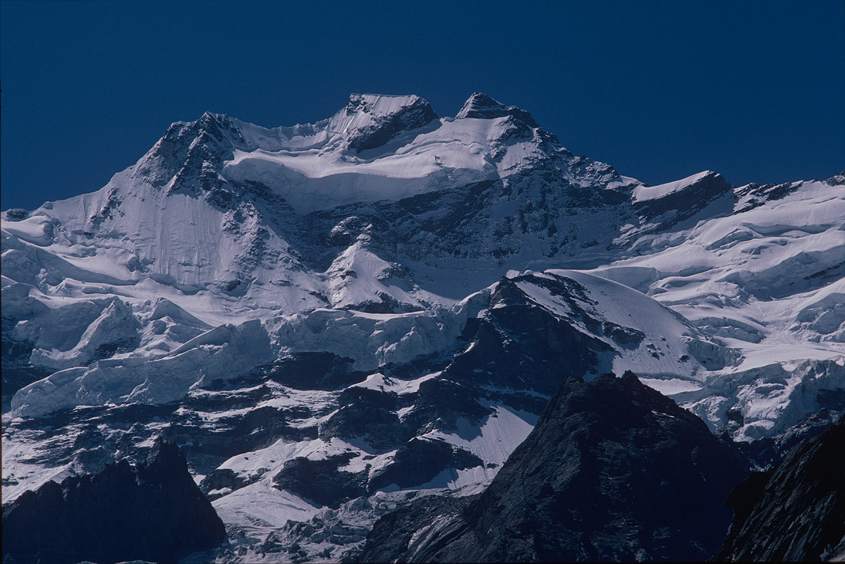 Summit telephoto from near Rangdum in the Zanskar valleyCanon A1, 135mm, Kodachrome