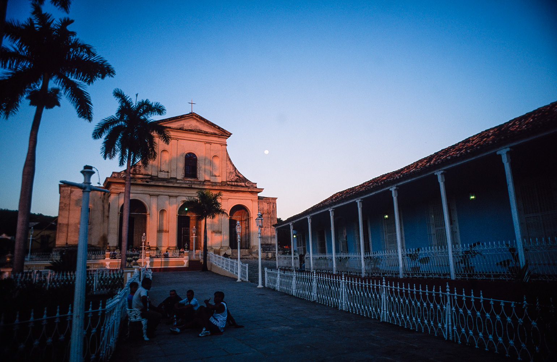 plaza_major_trinidad_sunset