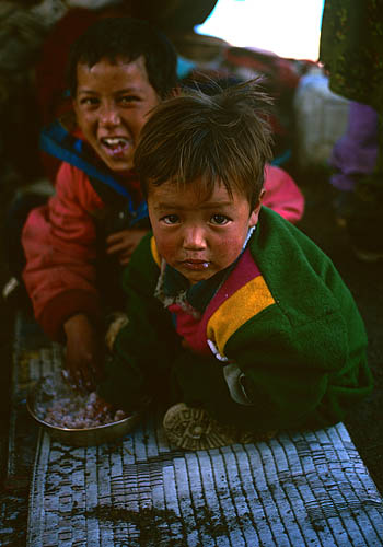 Children eating dalbat at the overnight camp during the Jeth Purni festivalBronica ETRSi, 50mm, Fuji Velvia