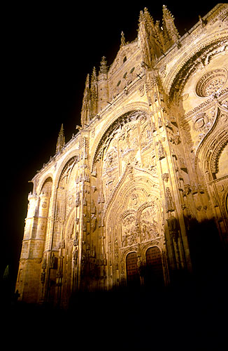 salamanca_cathedral_night