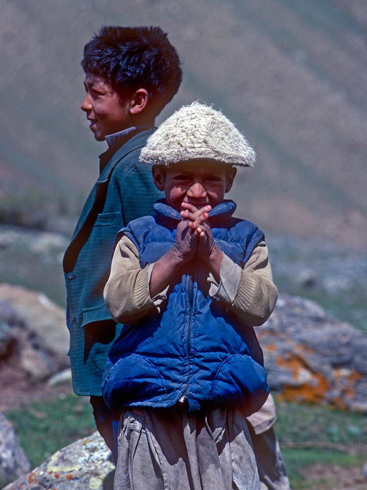 Children at Thalle villageCanon A1, 50mm