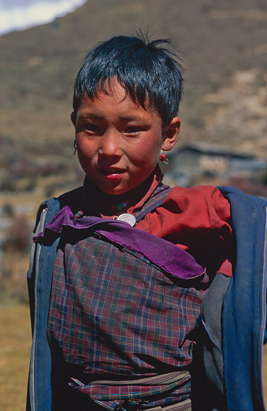 A village girlNikon FM2, 50mm, Fuji Velvia