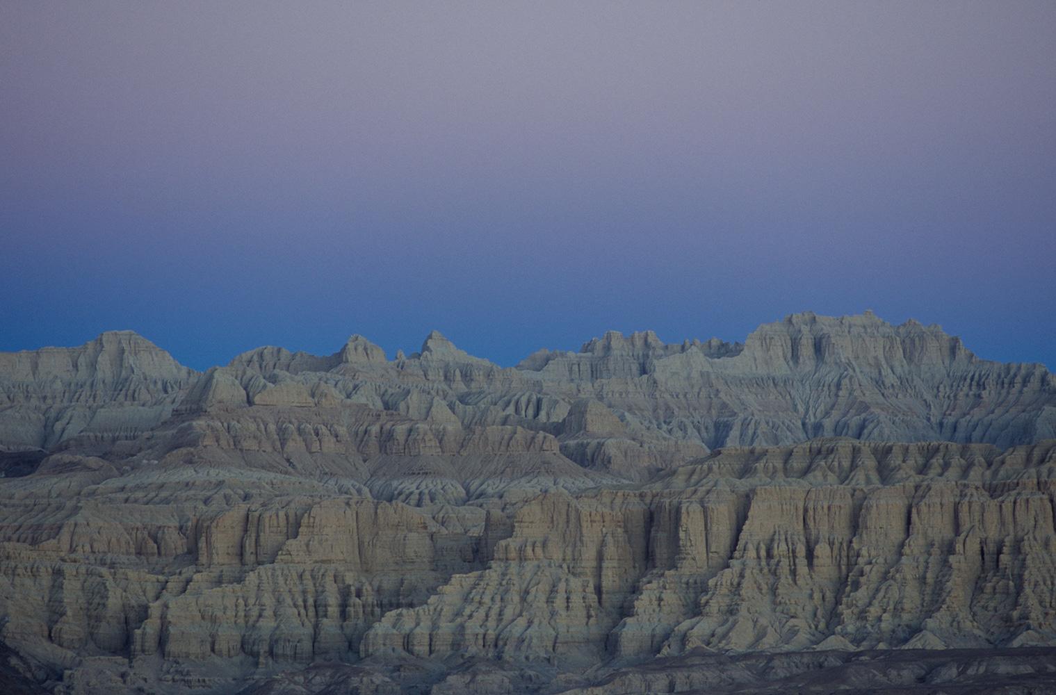 tsaparang_cliffs_dawn_2003RVP